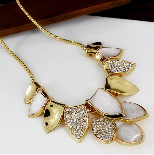 ... JEWELRY 18K Silver and Gold Plated Dancing Leaves Statement Necklace